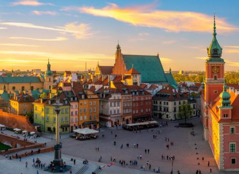 Warsaw-Royal-castle-and-old-town-at-sunset-HD.jpg